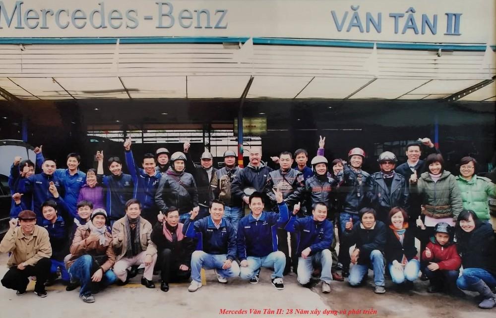 Tập thể CB CNV Mercedes Văn Tân II